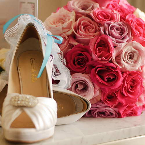 Bridal Flowers Gold Coast : Diana awad wedding flowers pink roses shoes garter
